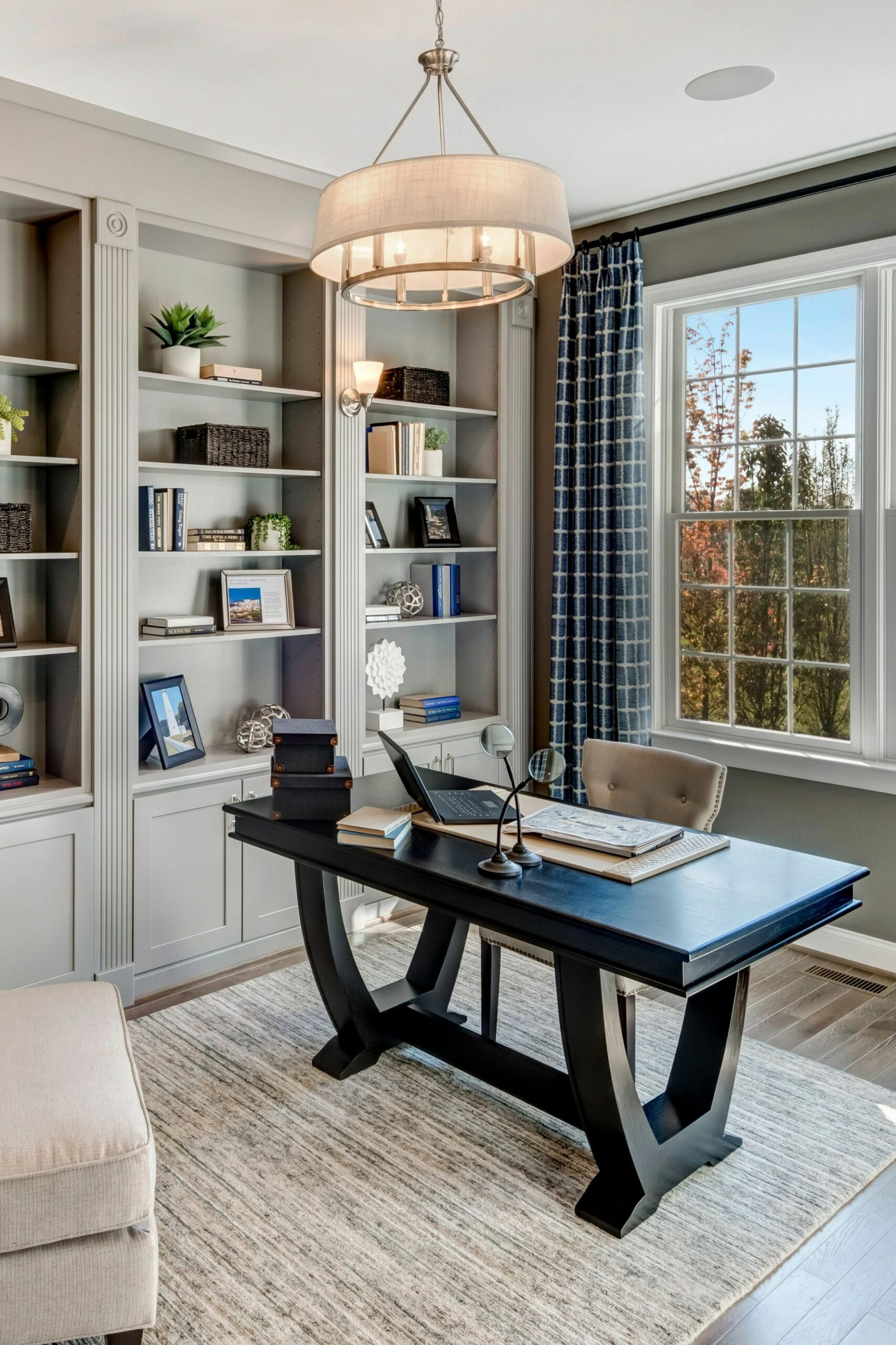 Home Office Interior Design Ideas | Office Decorating Themes ..