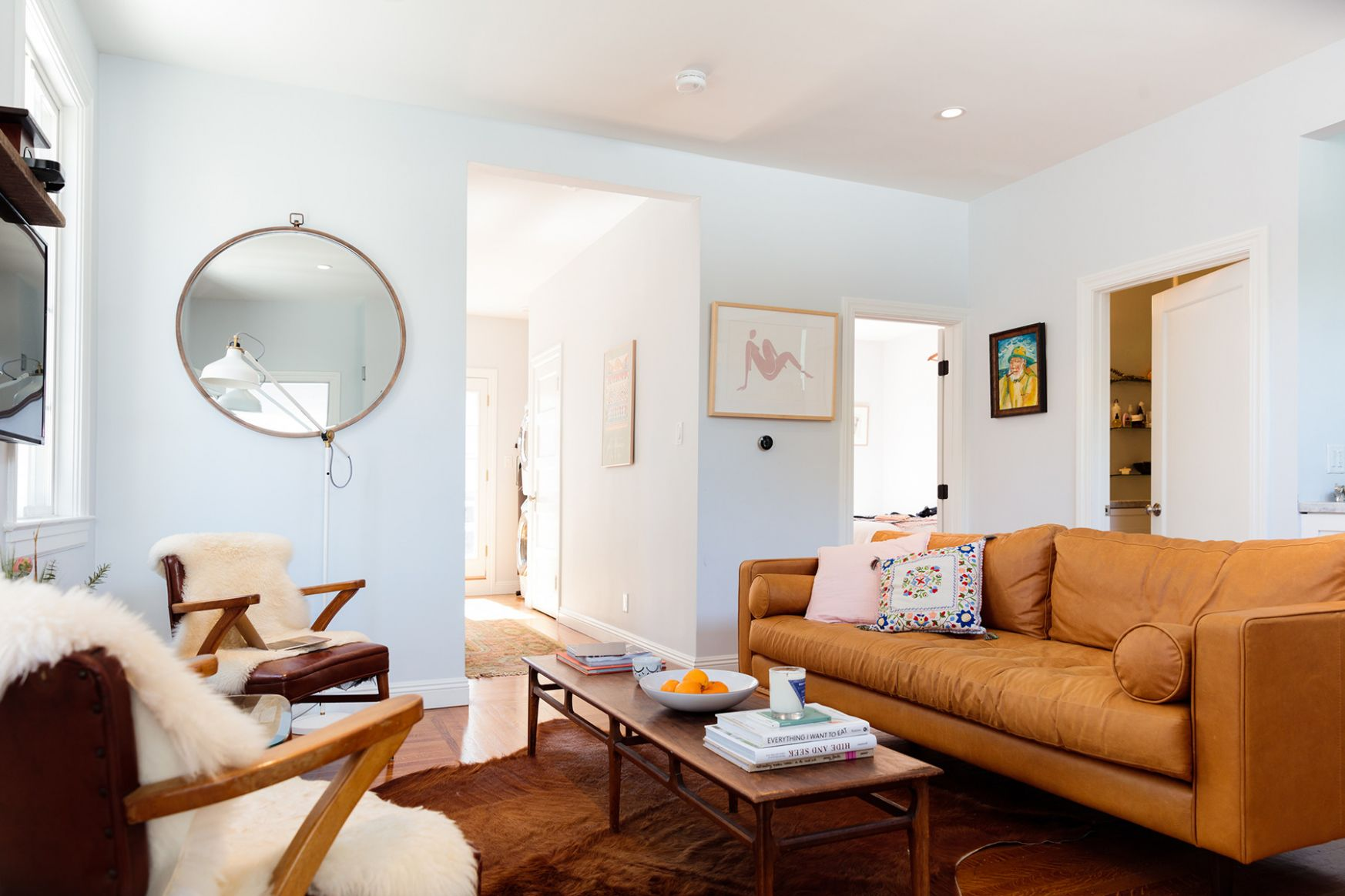 How To Decorate An Apartment When It's Only A Short-Term Rental ...