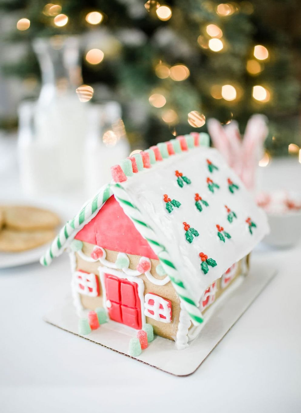 How to Decorate Gingerbead House - gingerbread house inspiration