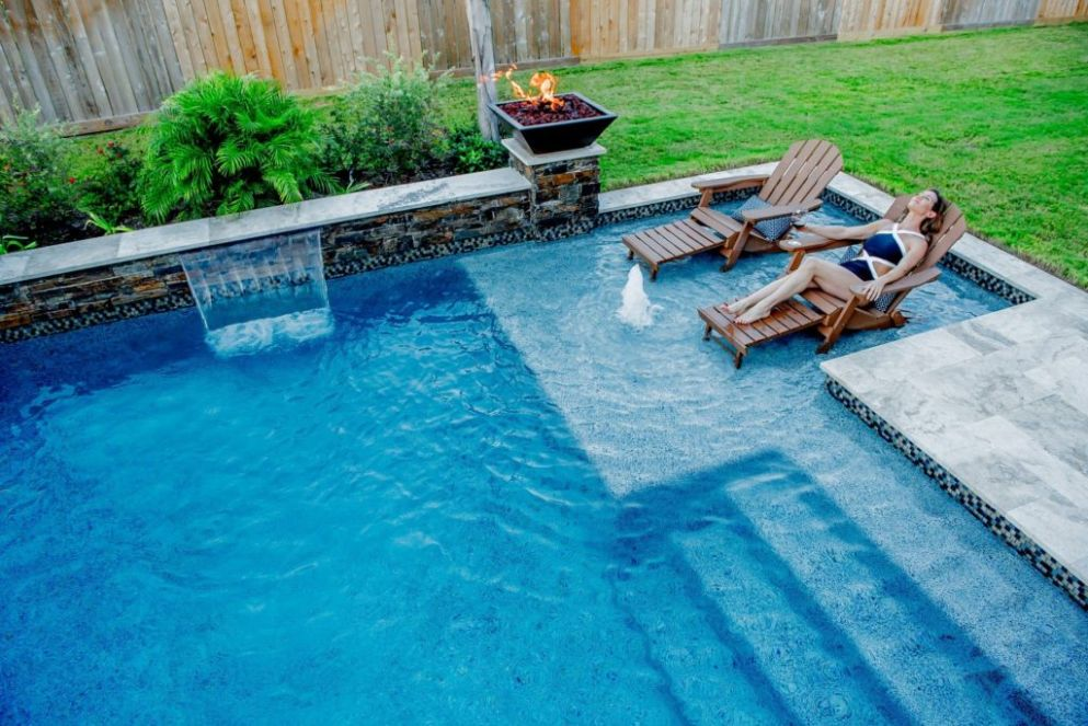 how to make swimming pool beautiful - swimming pool features ideas