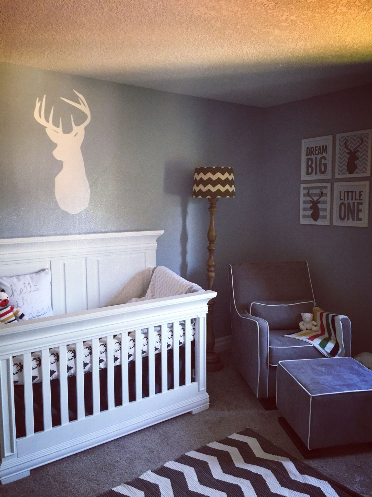 I like the set-up of this nursery for Laynee's room. | Woodland ...