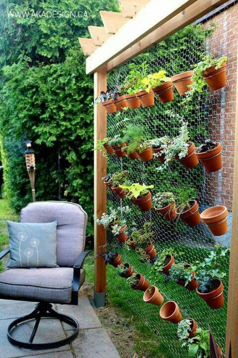 Inspiring Vertical Garden Ideas for Small Space 10 - Hoommy