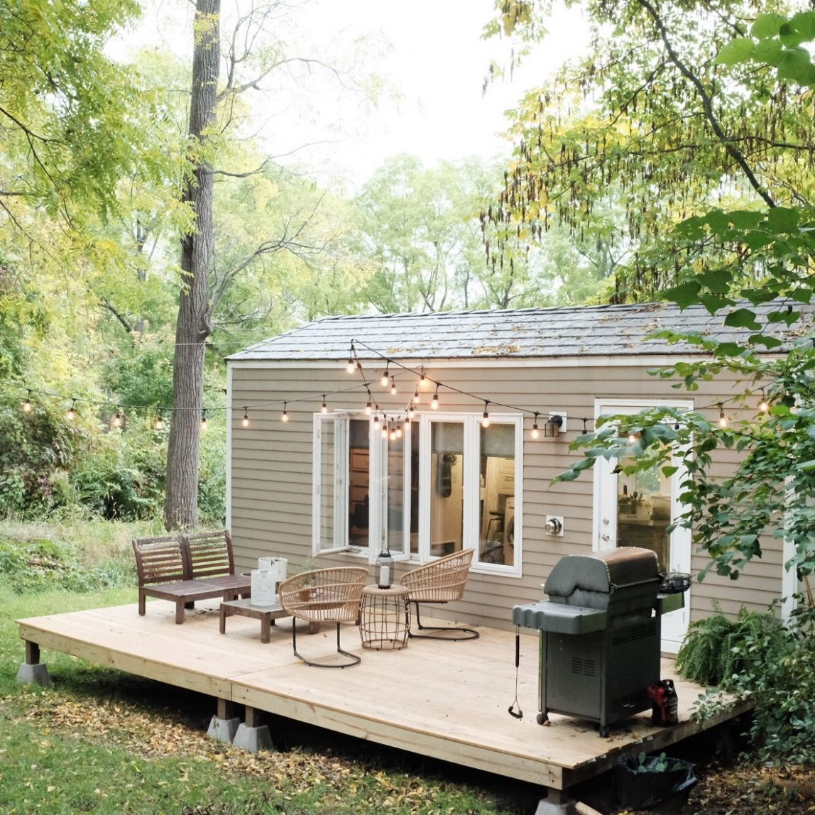 Interview with Tiny House Nation Couple: Tim & Shannon's Minim ...