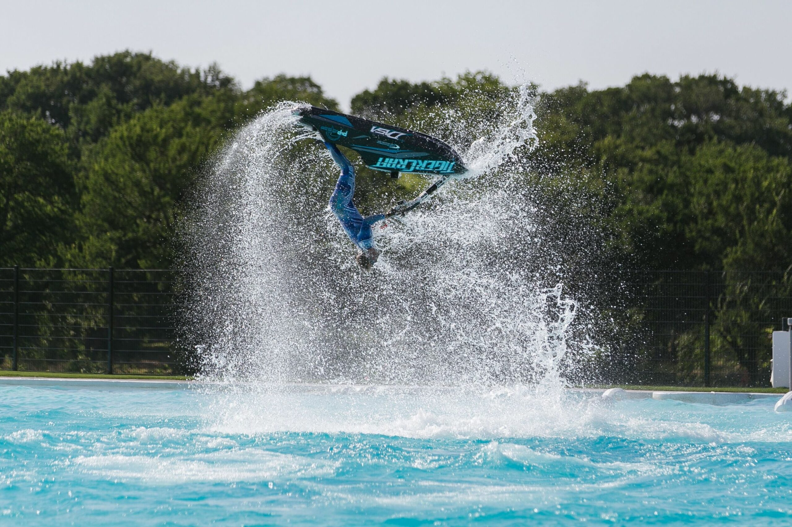 Jet Ski Pictures | Extreme Sport | Water Activity | Pool Ideas ..