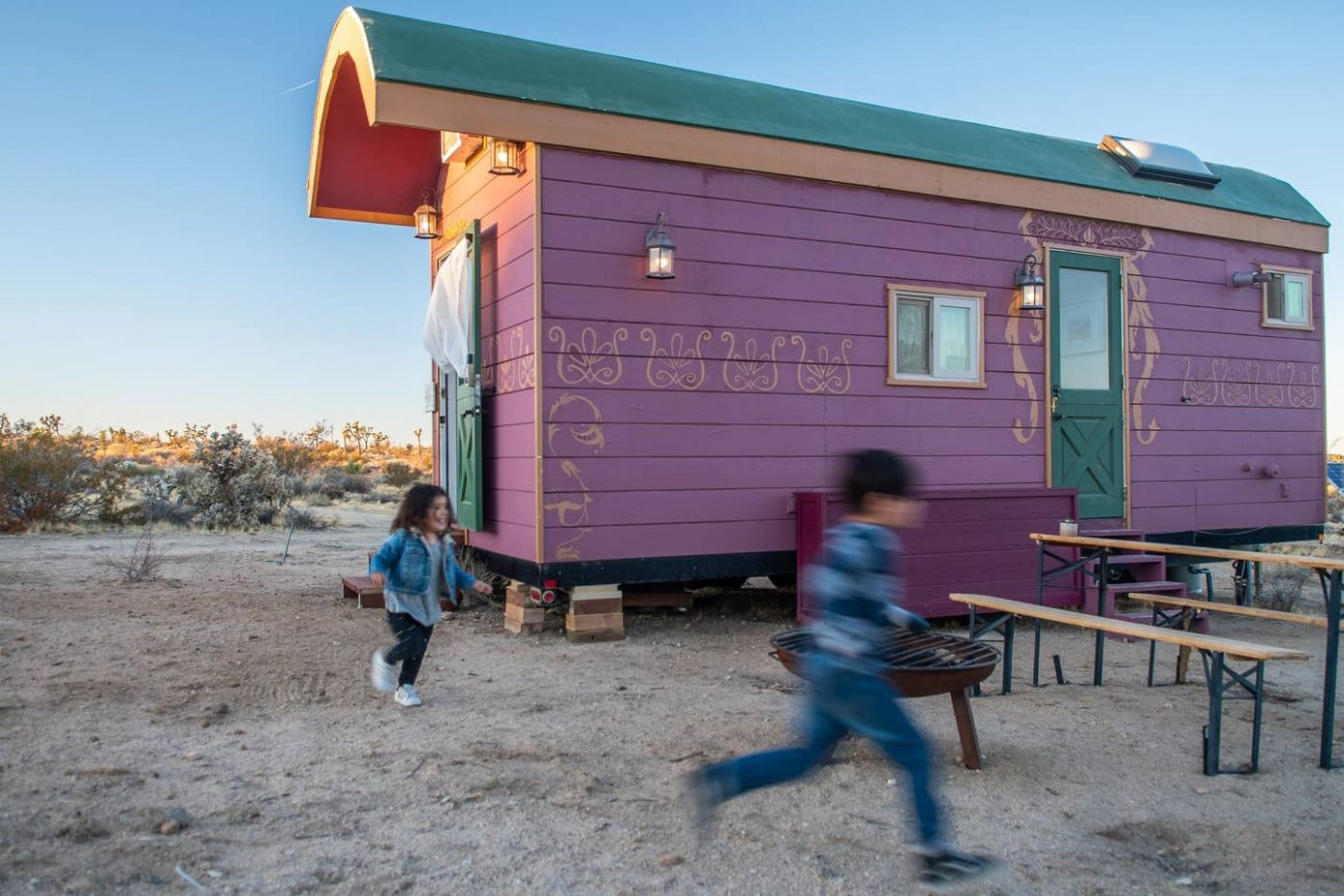 Joshua Tree Tiny House - The Gypsy Wagon - Tiny houses for Rent in ..