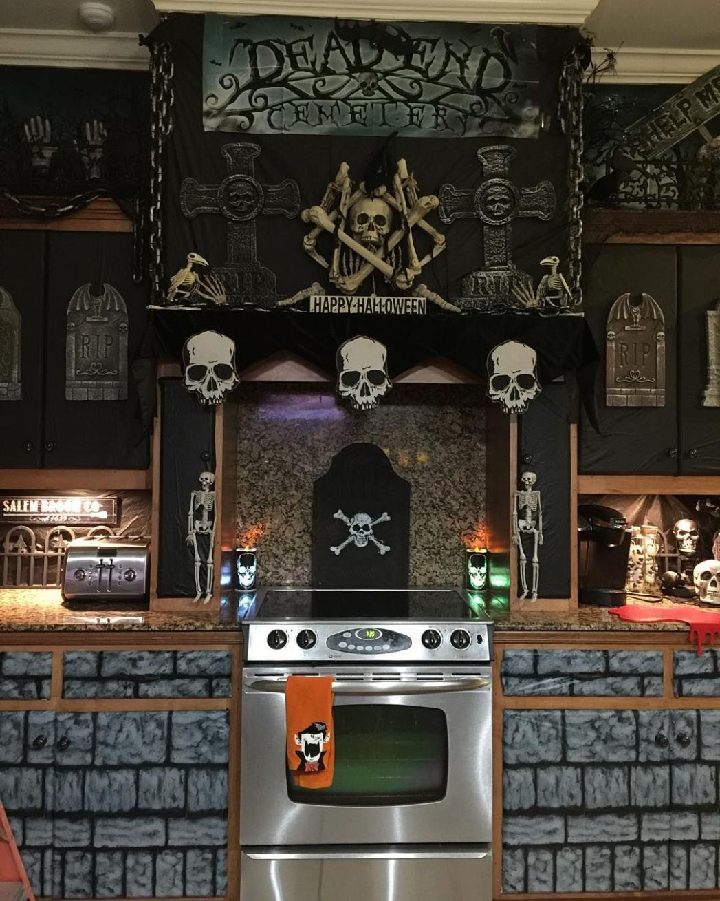Kitchen Halloween Decorations #Halloween #halloween8 ...