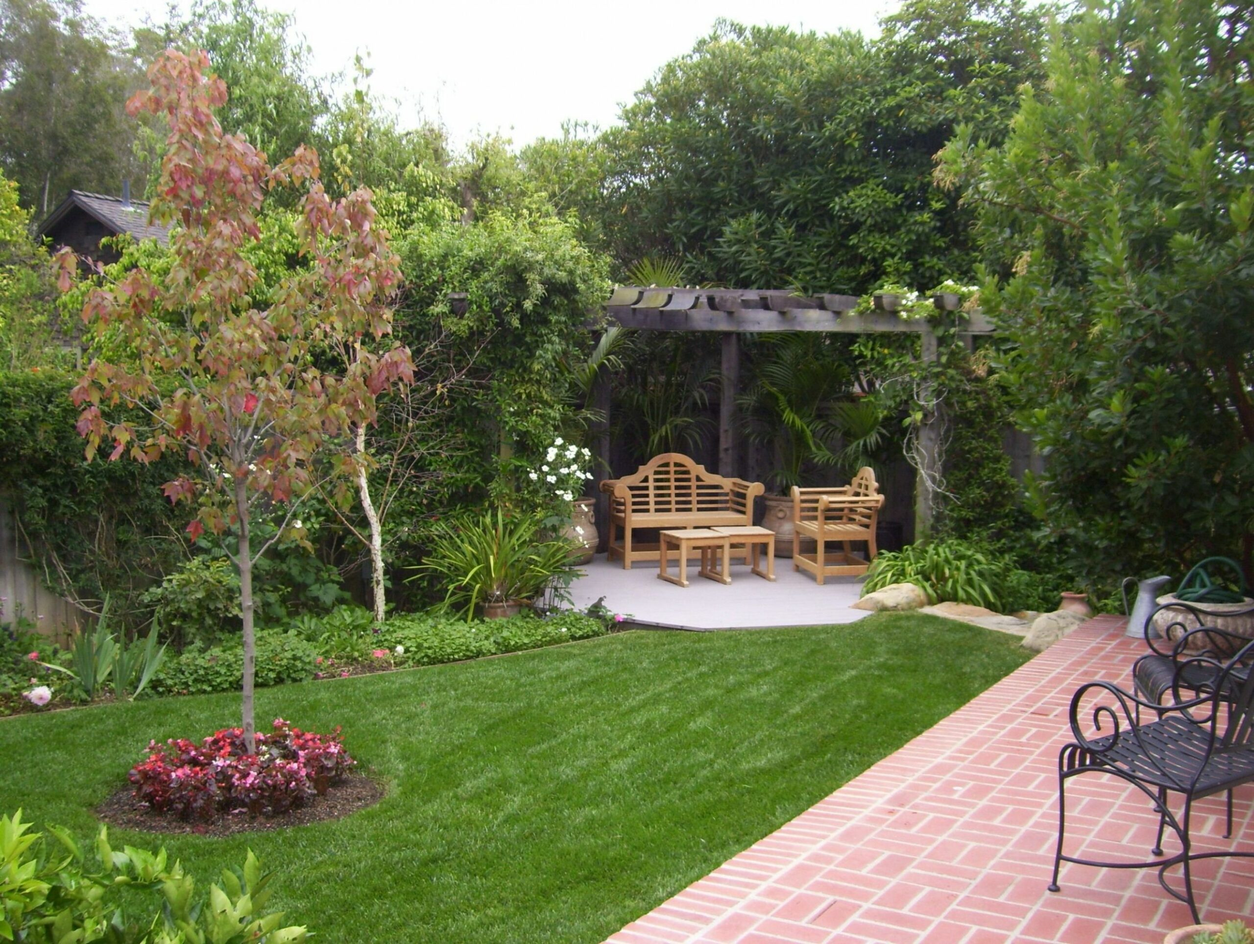 Landscaping Ideas For Large Backyards | MyCoffeepot
