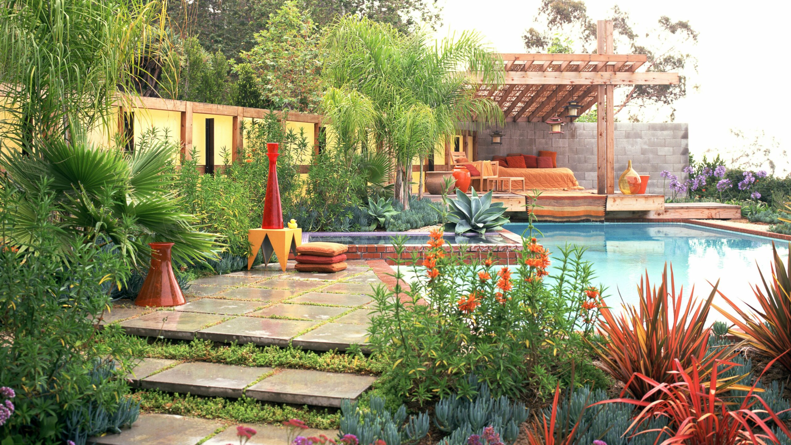 Landscaping Ideas for Pool Areas - pool landscaping ideas for privacy