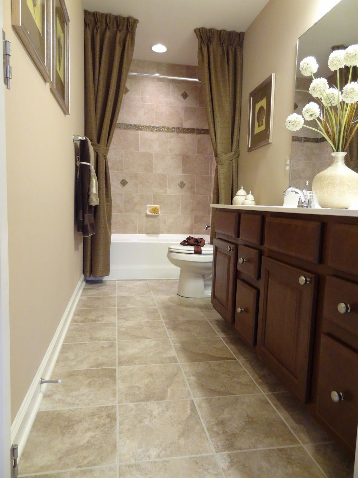Long Narrow Bathroom Designs (With images) | Full bathroom remodel ..