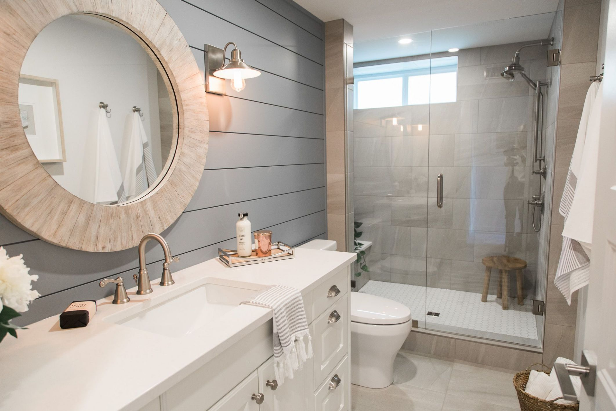 Love It Or List It Vancouver: Angie & Shawn | Modern bathroom ...