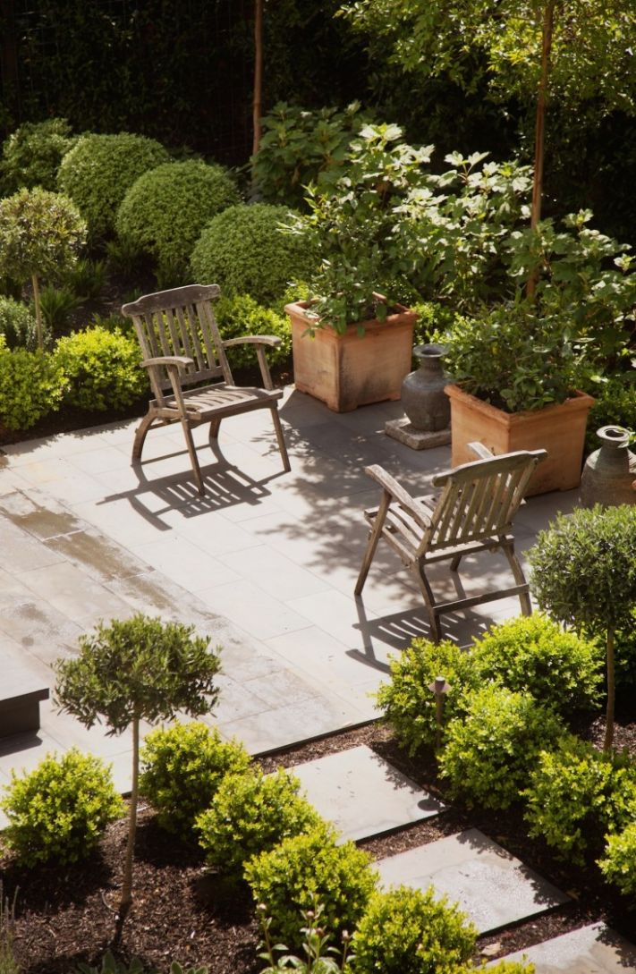 Low-Cost Luxe: 11 Pea Gravel Patio Ideas to Steal - Gardenista - backyard ideas using gravel