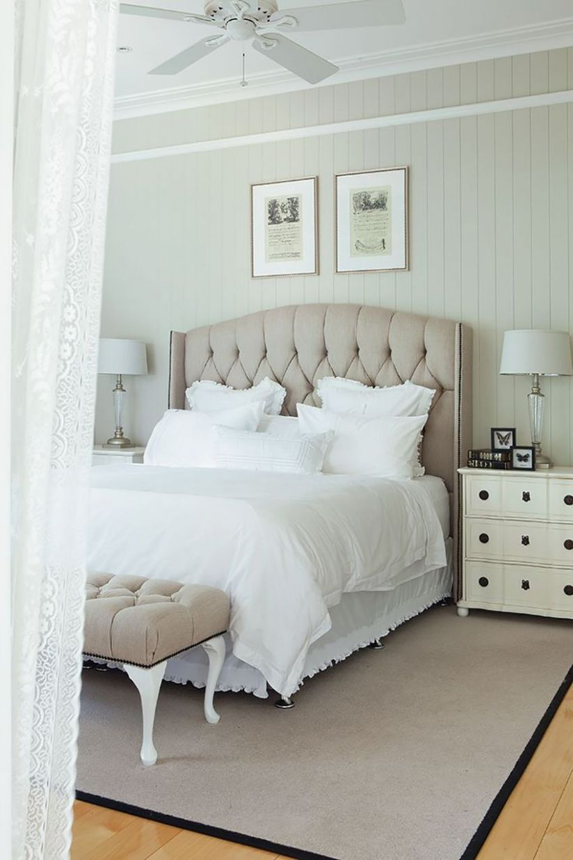 Luxurious Hamptons bedroom with a neutral color palette | French ..