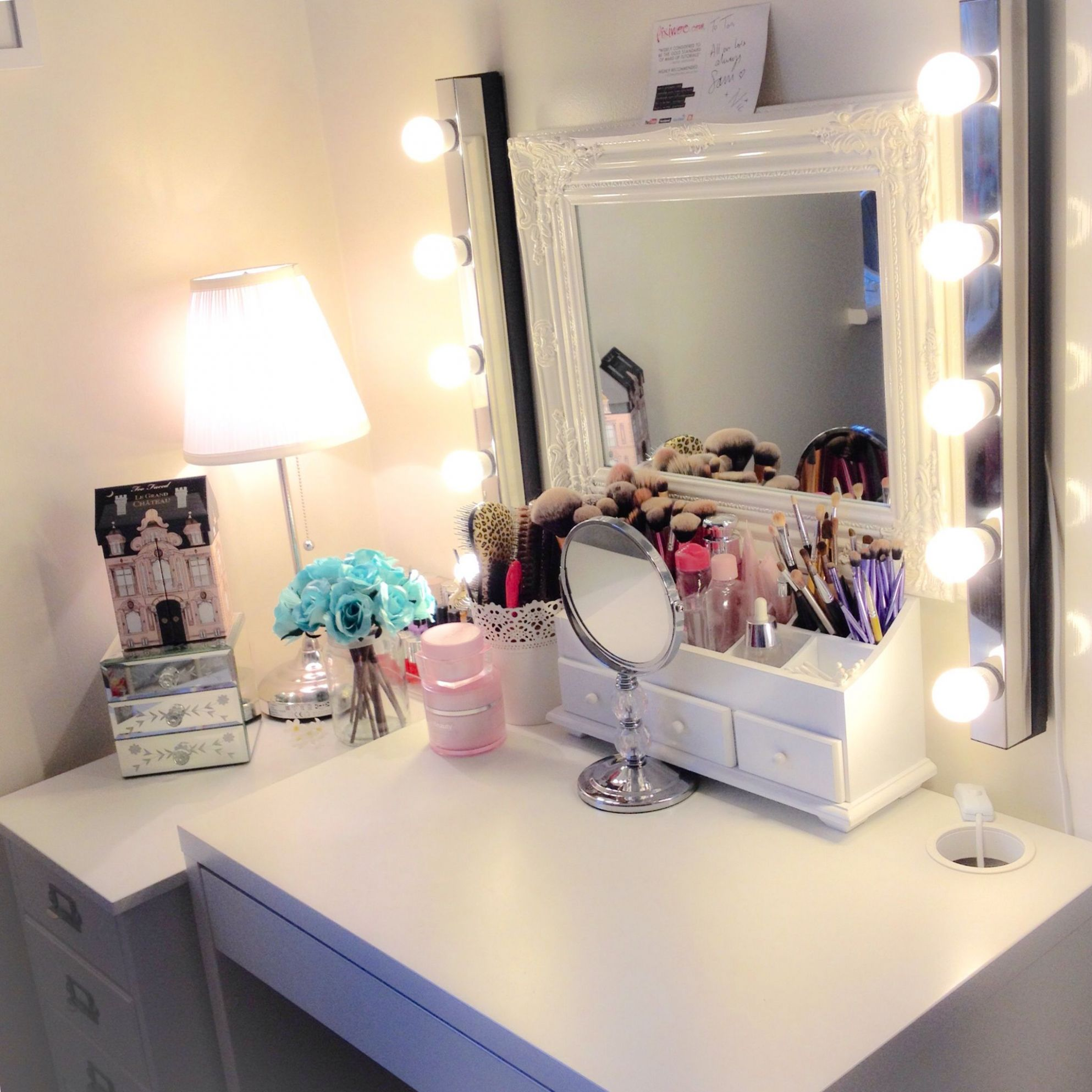 Makeup station: Micke Desk by IKEA | Ikea girls room, Vanity decor ..