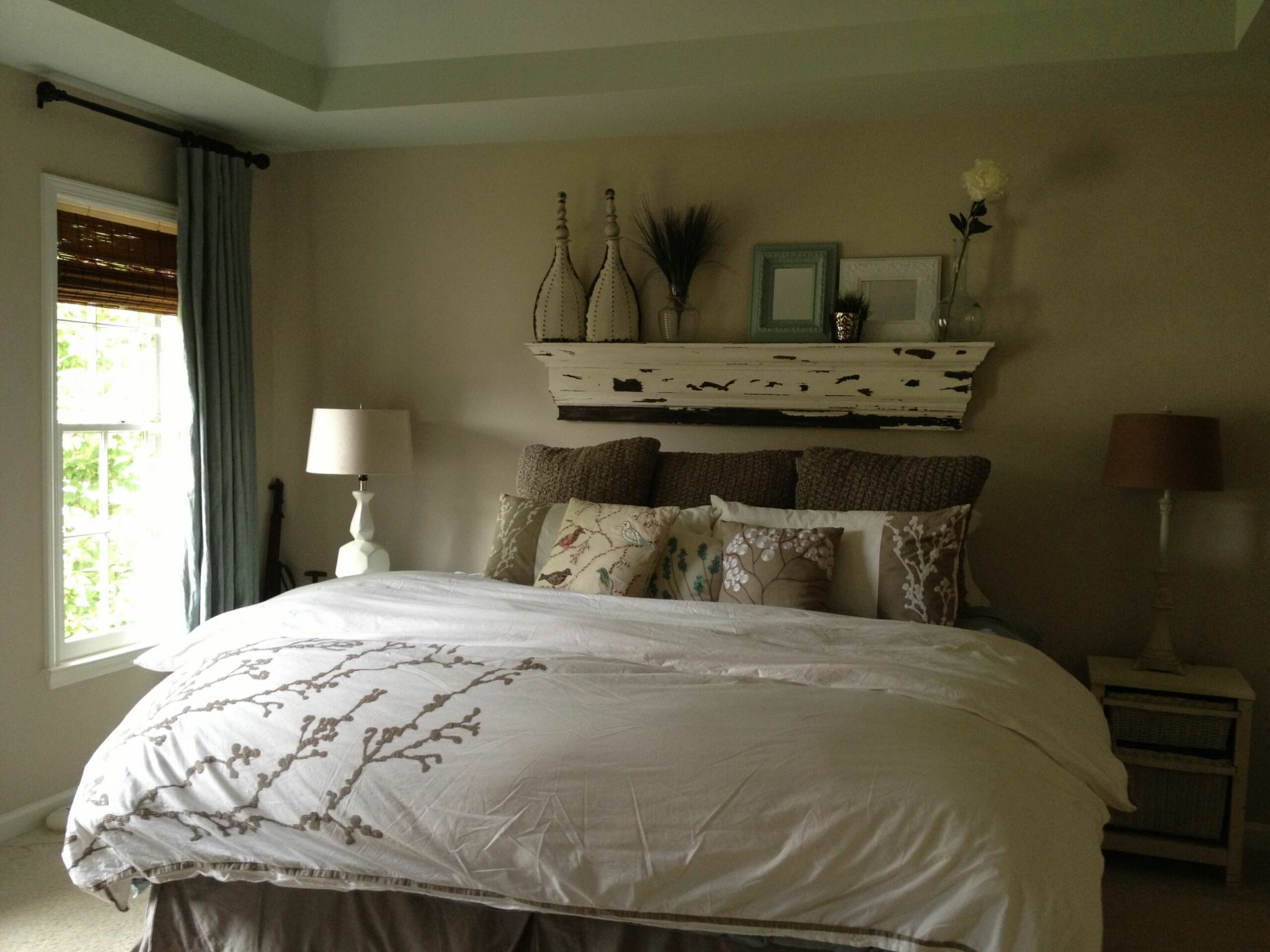 Master bedroom | Bed without headboard, Home decor bedroom, Small ..