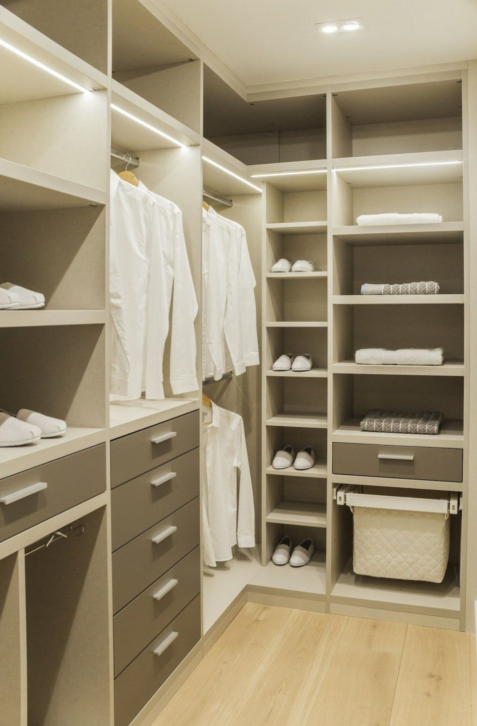 Master walk in wardrobe … (With images) | Closet small bedroom ...