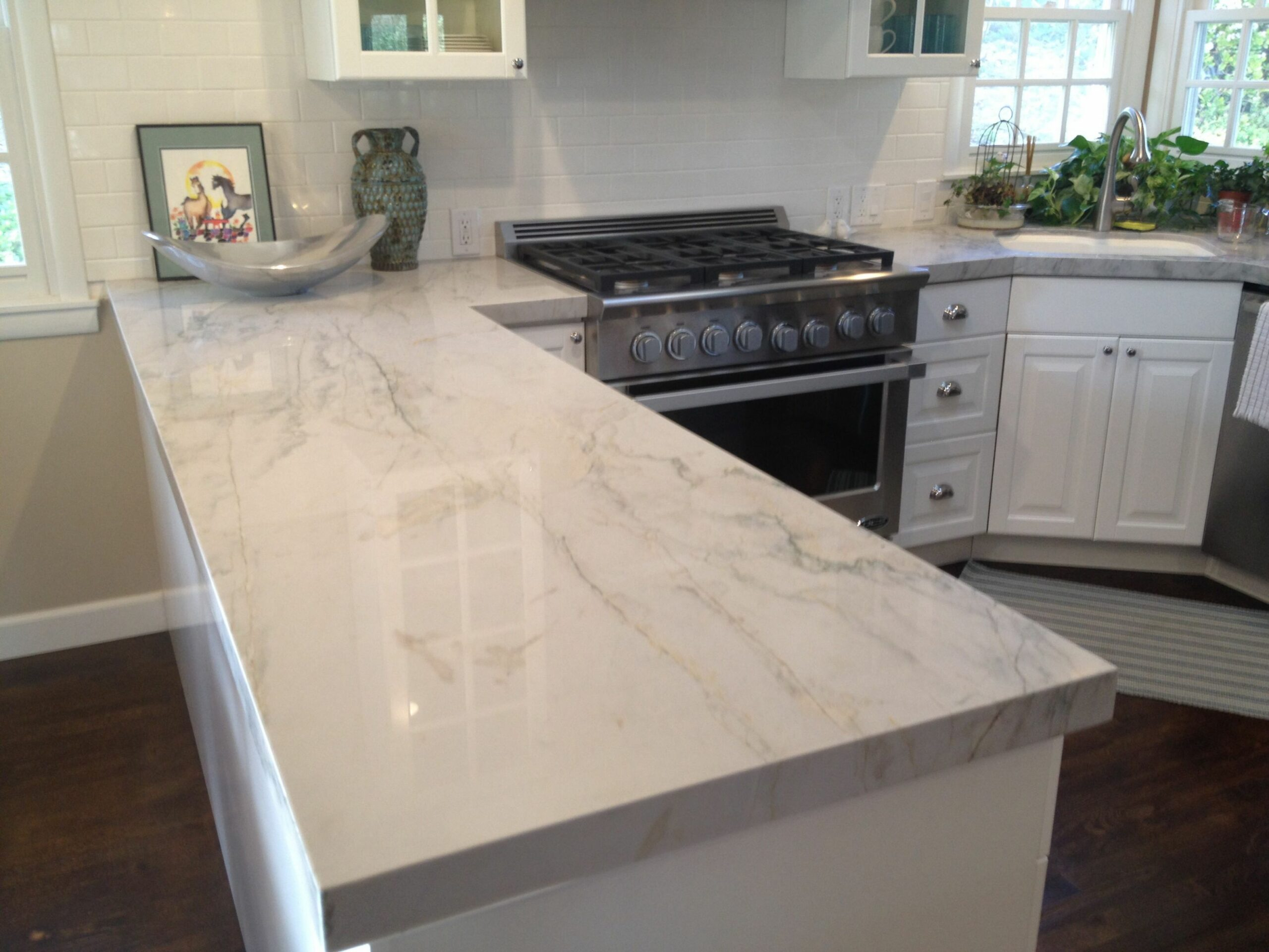 Mesmerizing Quartzite Countertops Design For Modern Kitchen: Wall ..