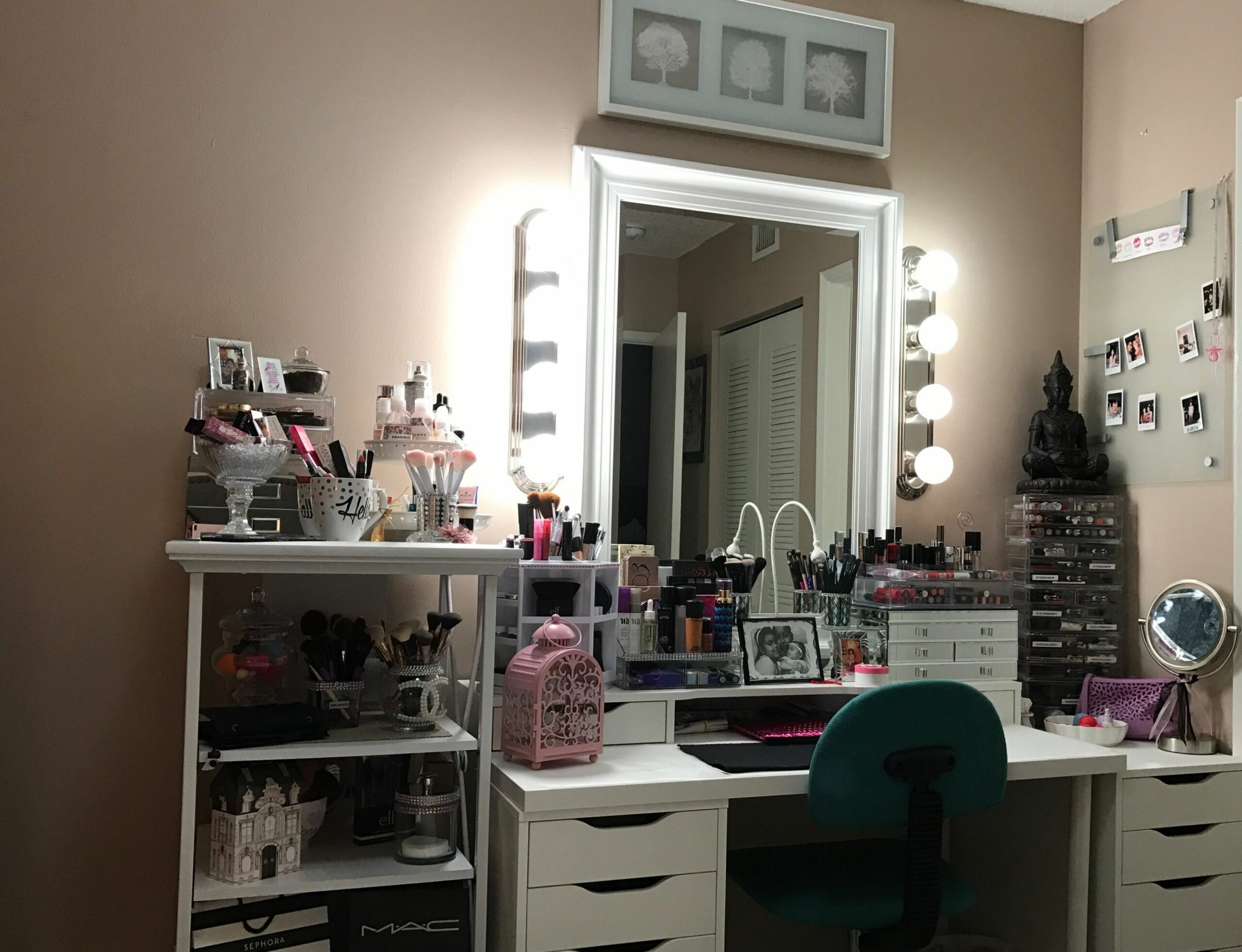 My vanity... simple but in love | Beauty room, Vanity diy bedroom ..