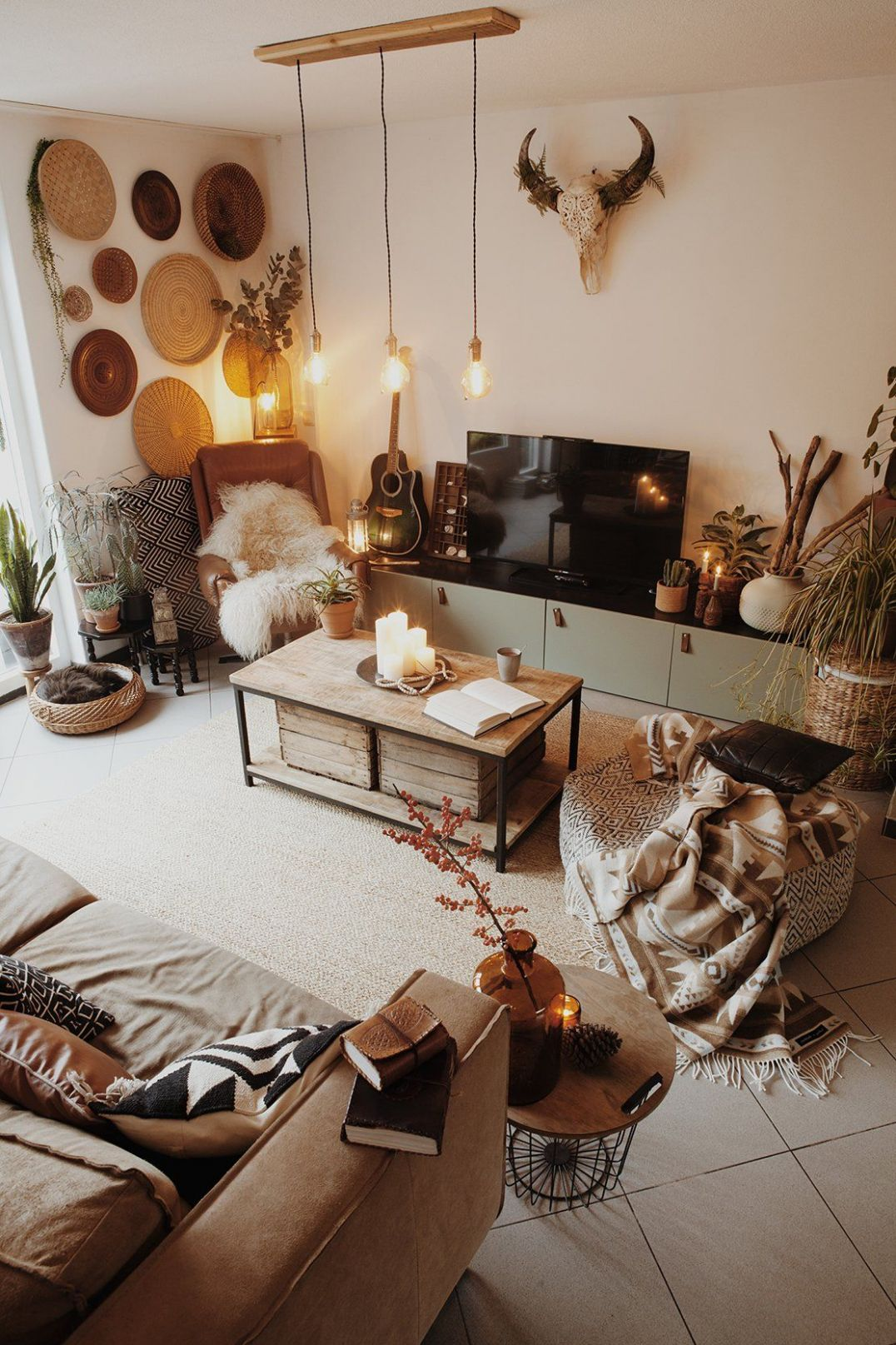 Netherlands Home Tour | Cute home decor, Front room, Bohemian ...