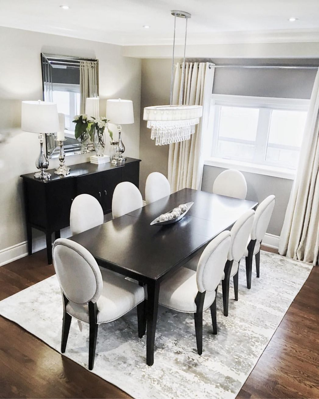 Neutral dining room, looking elegant and classy. . . . . #home ..