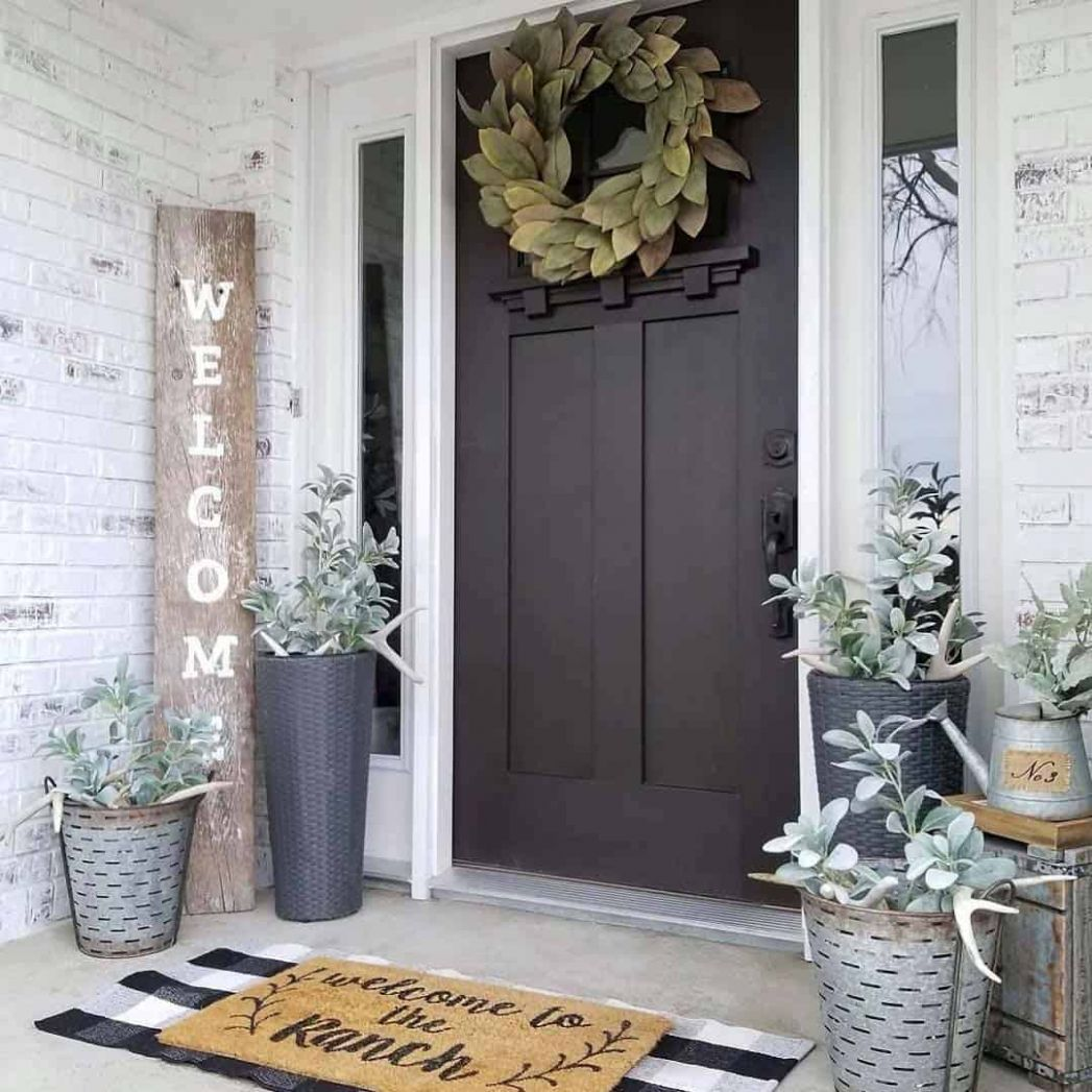 One Kindesign - front porch rustic decor