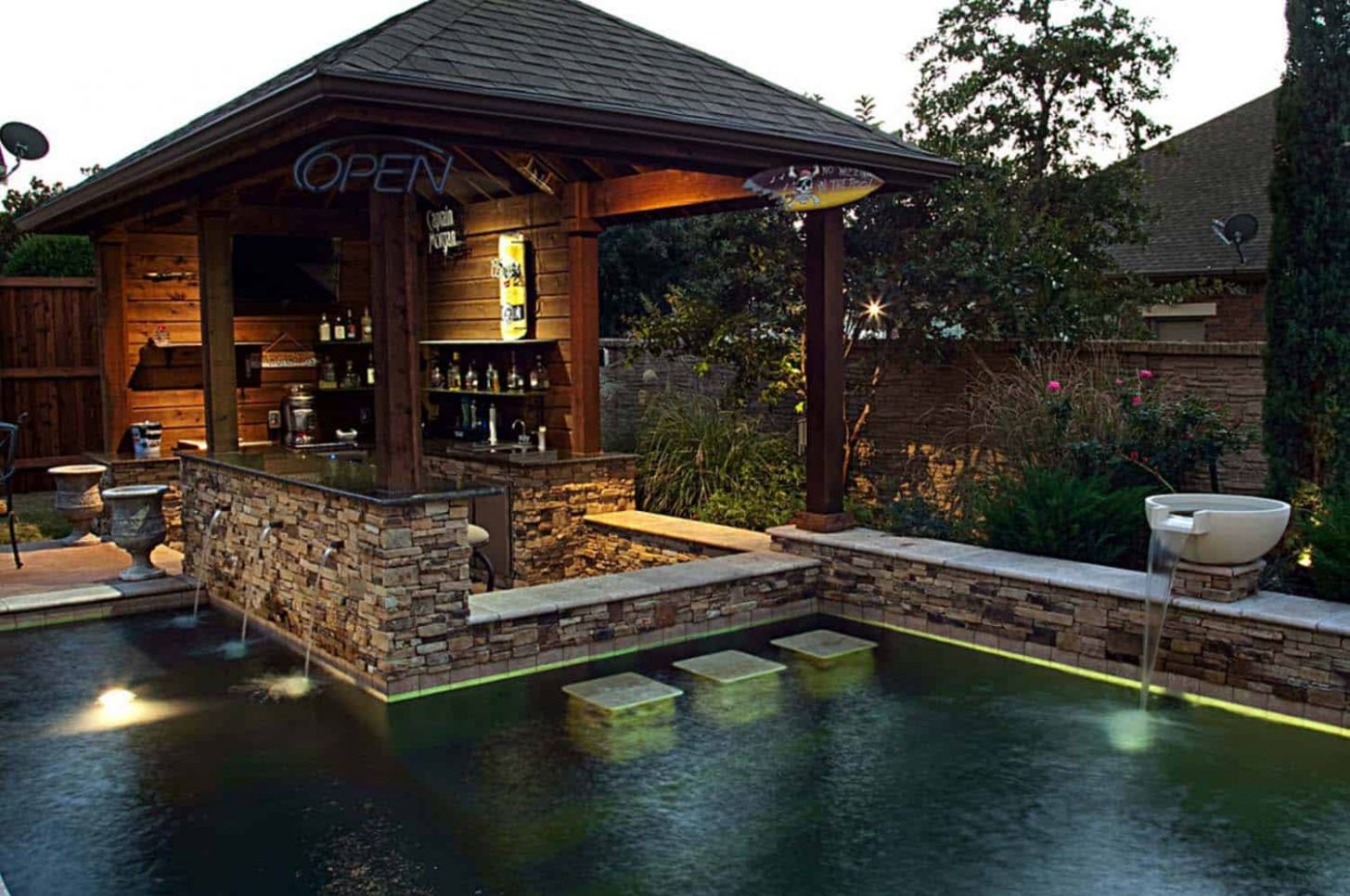 One Kindesign - pool ideas with swim up bar