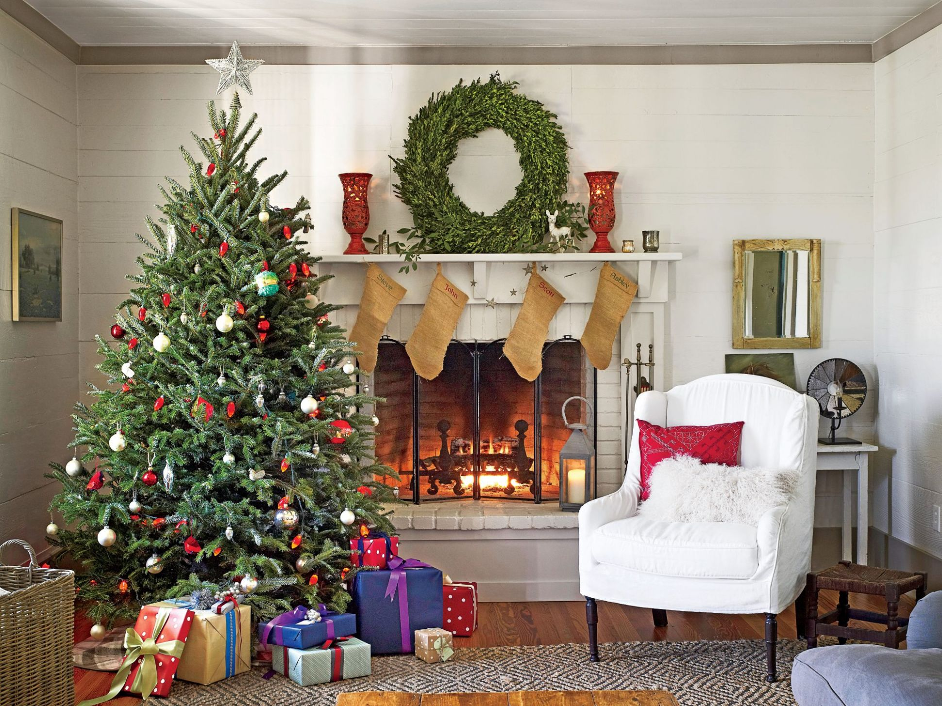 Our Favorite Living Rooms Decorated for Christmas | Southern Living - living room ideas xmas