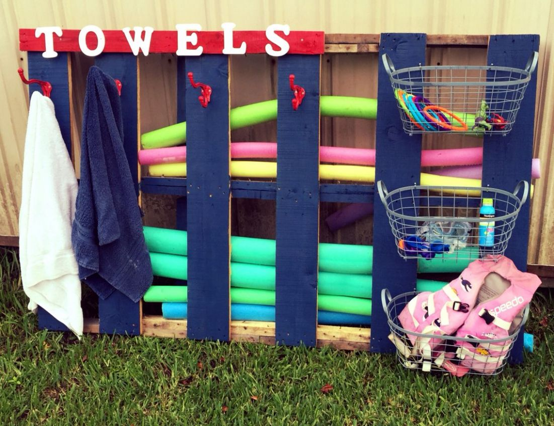 Pallet swimming pool storage for towels and toys | Pool storage ..