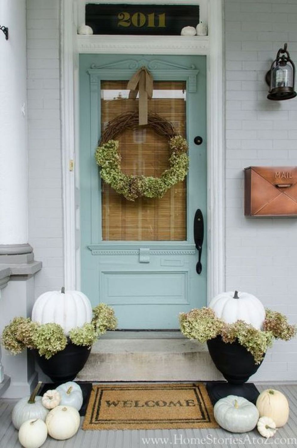Pin by Chirido Irina on House | Porch decorating, Farmhouse front ...