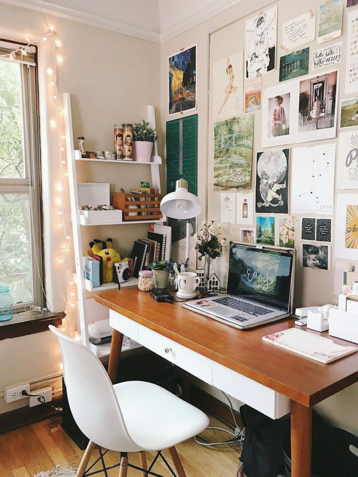 Pin by cola on Room | Home office decor, Simple desk decor, Interior