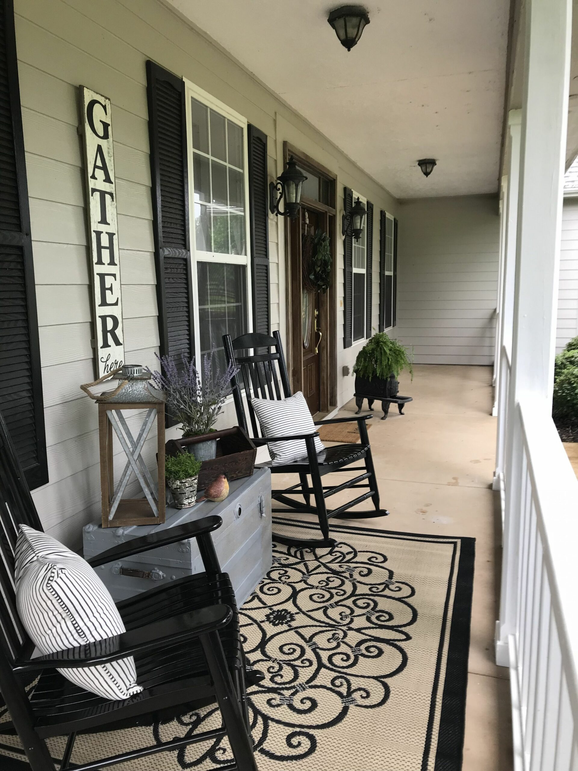 Pin by Tammy Lake on My Porch | Summer porch decor, Front porch ..