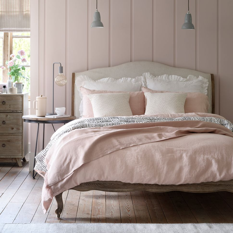 Pink bedroom ideas that can be pretty and peaceful, or punchy and ...