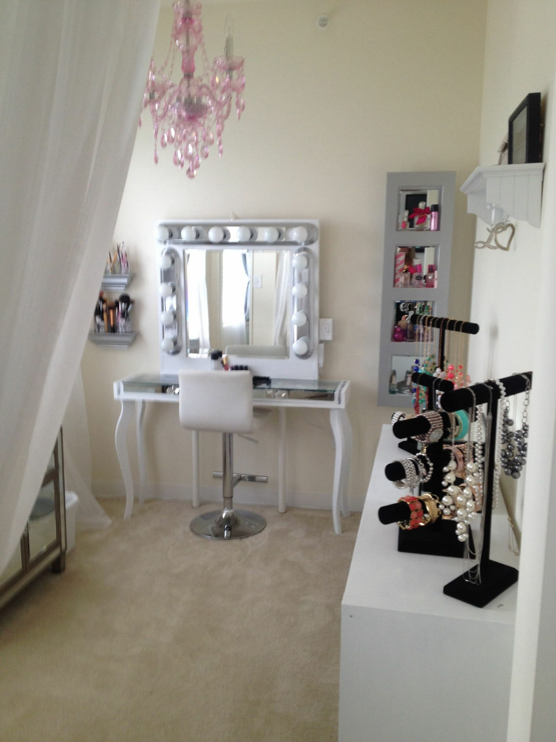 Pink silver white glam hollywood makeup vanity room chic sheer ..