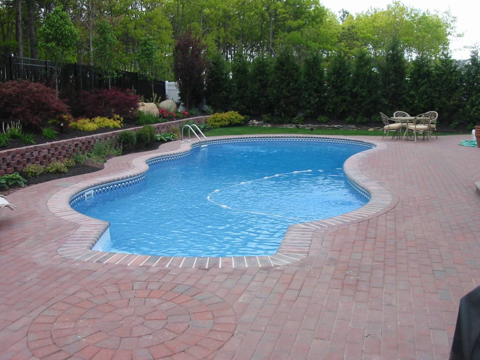 Poolside Water Features - Rock Water Slides - Waterfalls - Grottos ..