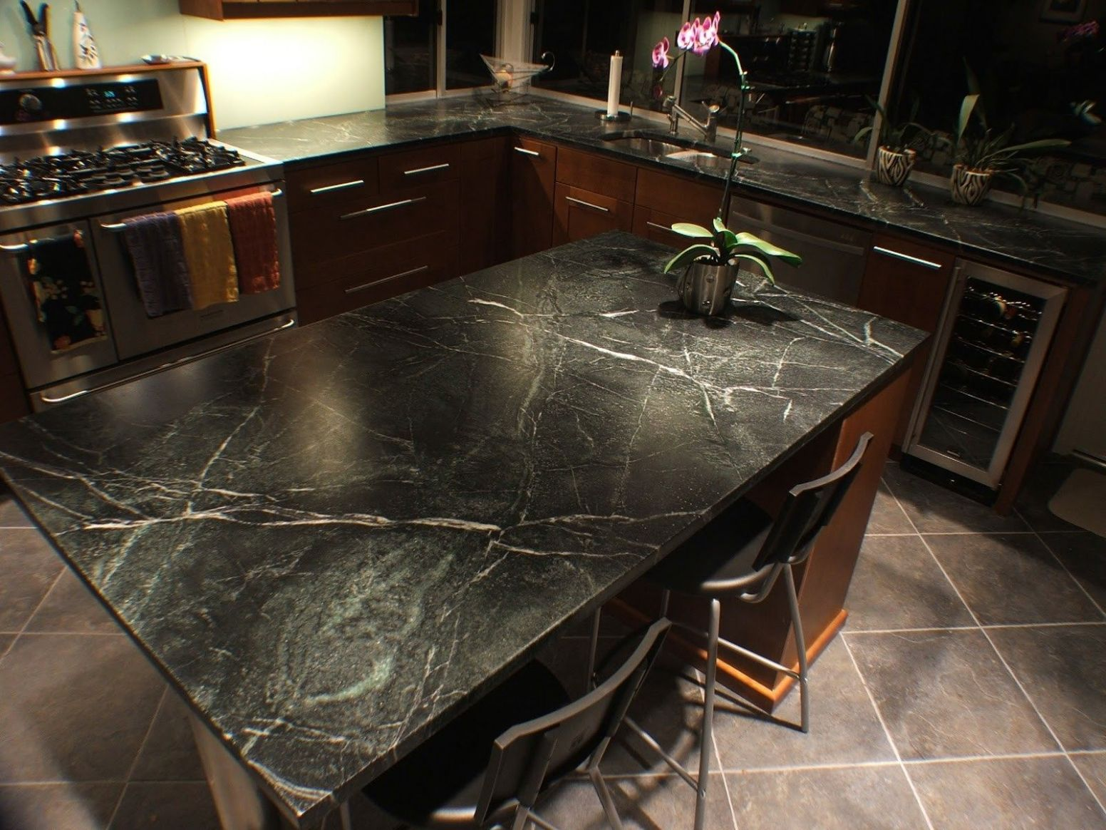 Quartzite Countertops Pros And Cons Dark Black On Kitchen Island ..