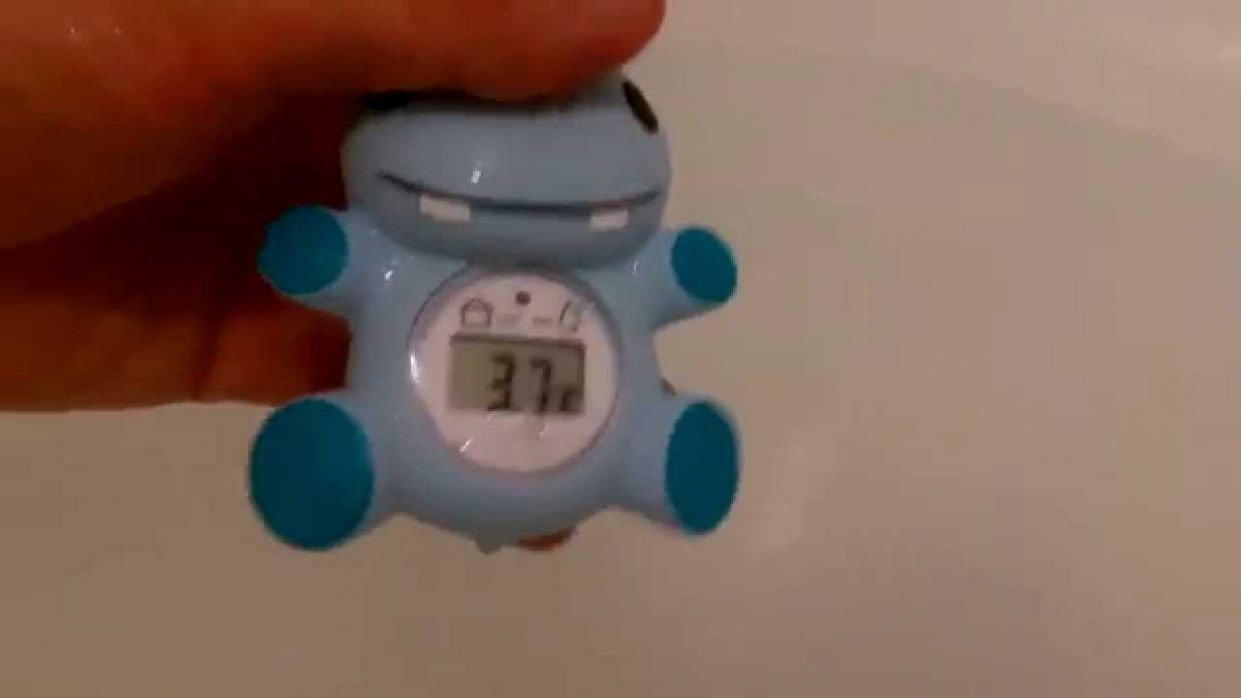 Review of Tesco's baby bath and room thermometer