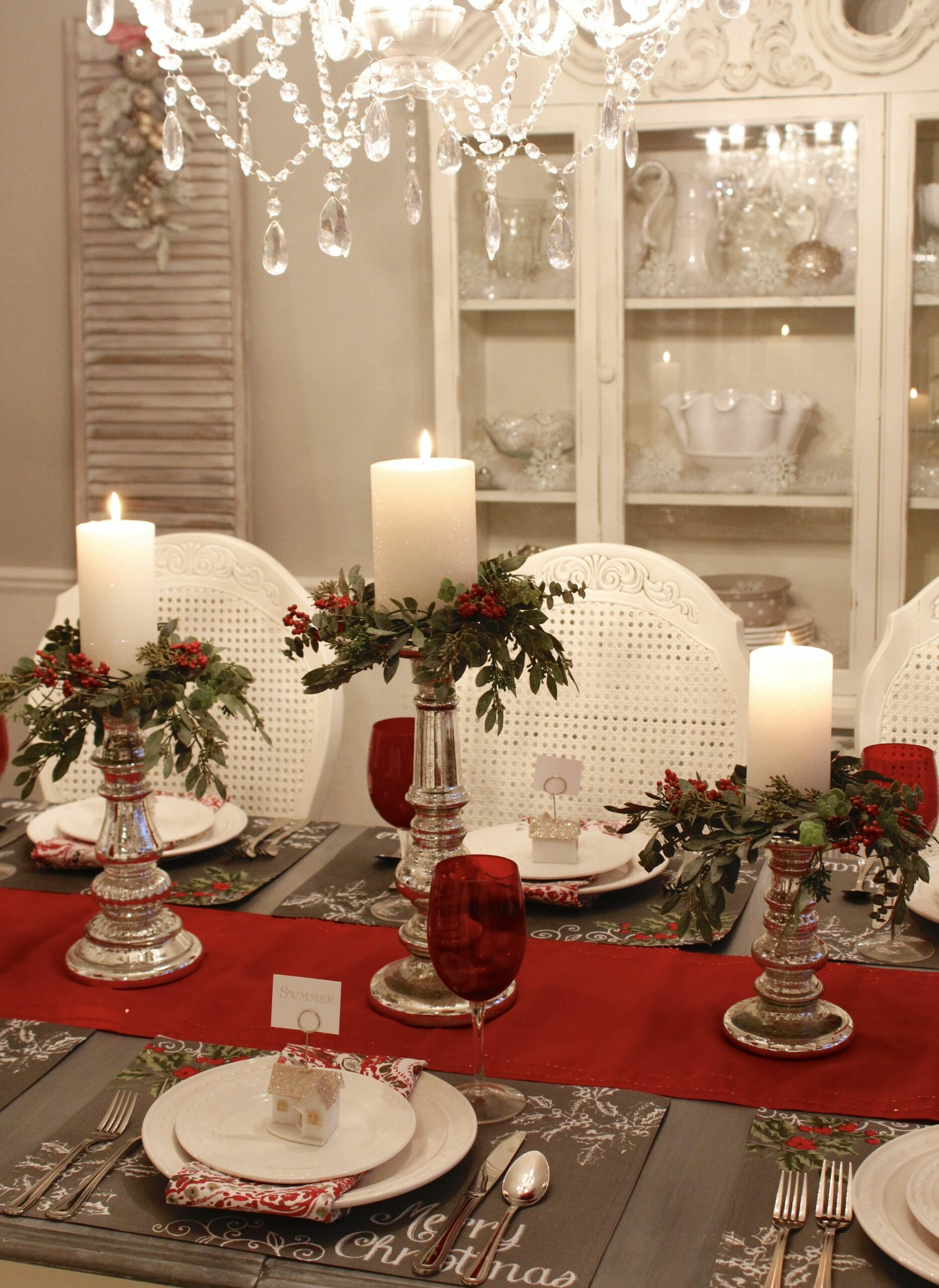 Seven Gorgeous Christmas Tablescape Ideas | Christmas table ...