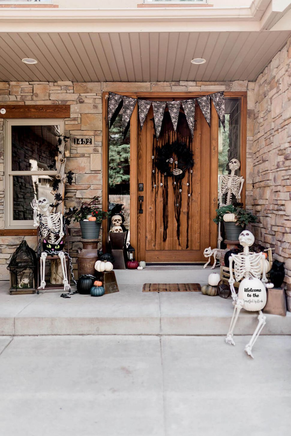 Skeleton Welcome: Halloween Front Porch Decoration Ideas - Parties ..