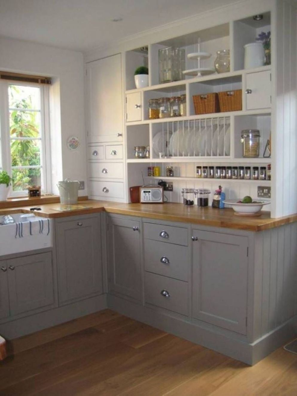 small galley kitchen ideas uk | Kitchen design small, Kitchen ..