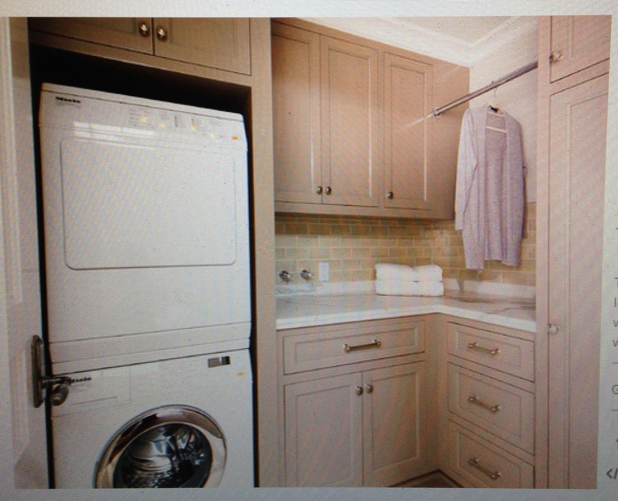 Small l-shaped. Expand rod for drying clothes. | Laundry room ..
