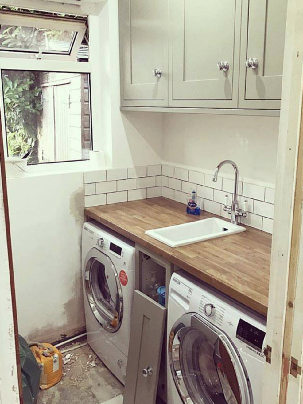 Small sink (With images) | Tiny laundry rooms, Small laundry rooms ..