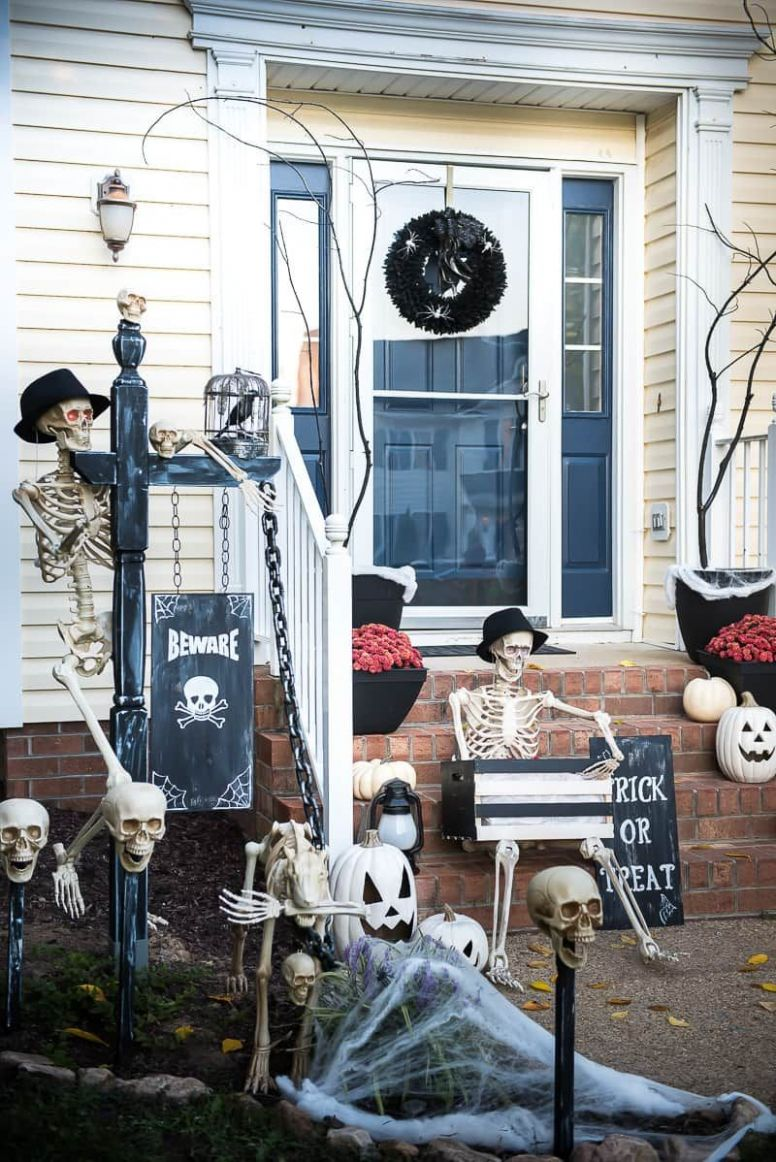 Spooky Halloween Front Porch! Make your yard frightful this year ...