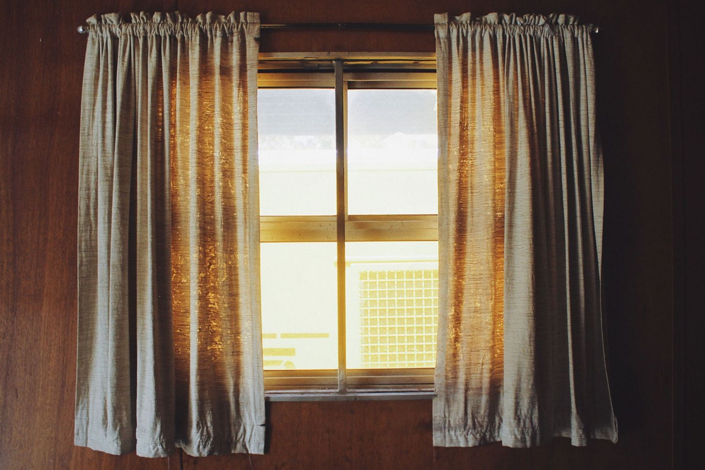 Spruce Up Your Custom Windows with These Decoration Ideas ...