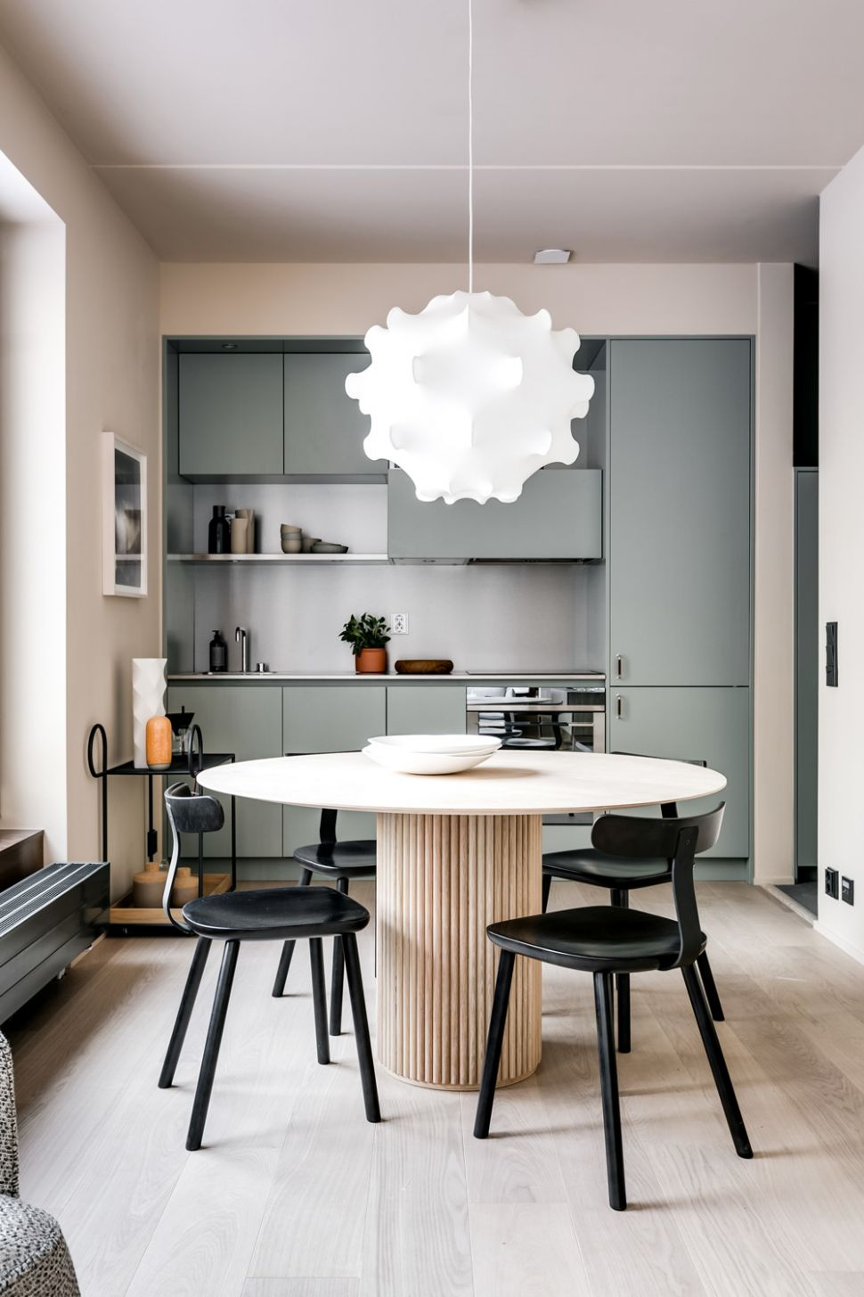 Step Inside a Stylish Urban Apartment by Note Design Studio ..