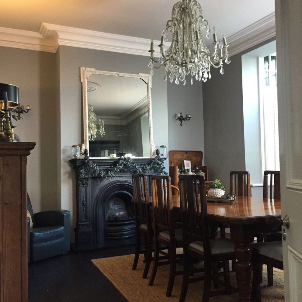 Stylish Victorian Dining Room Ideas 11 - Trendehouse