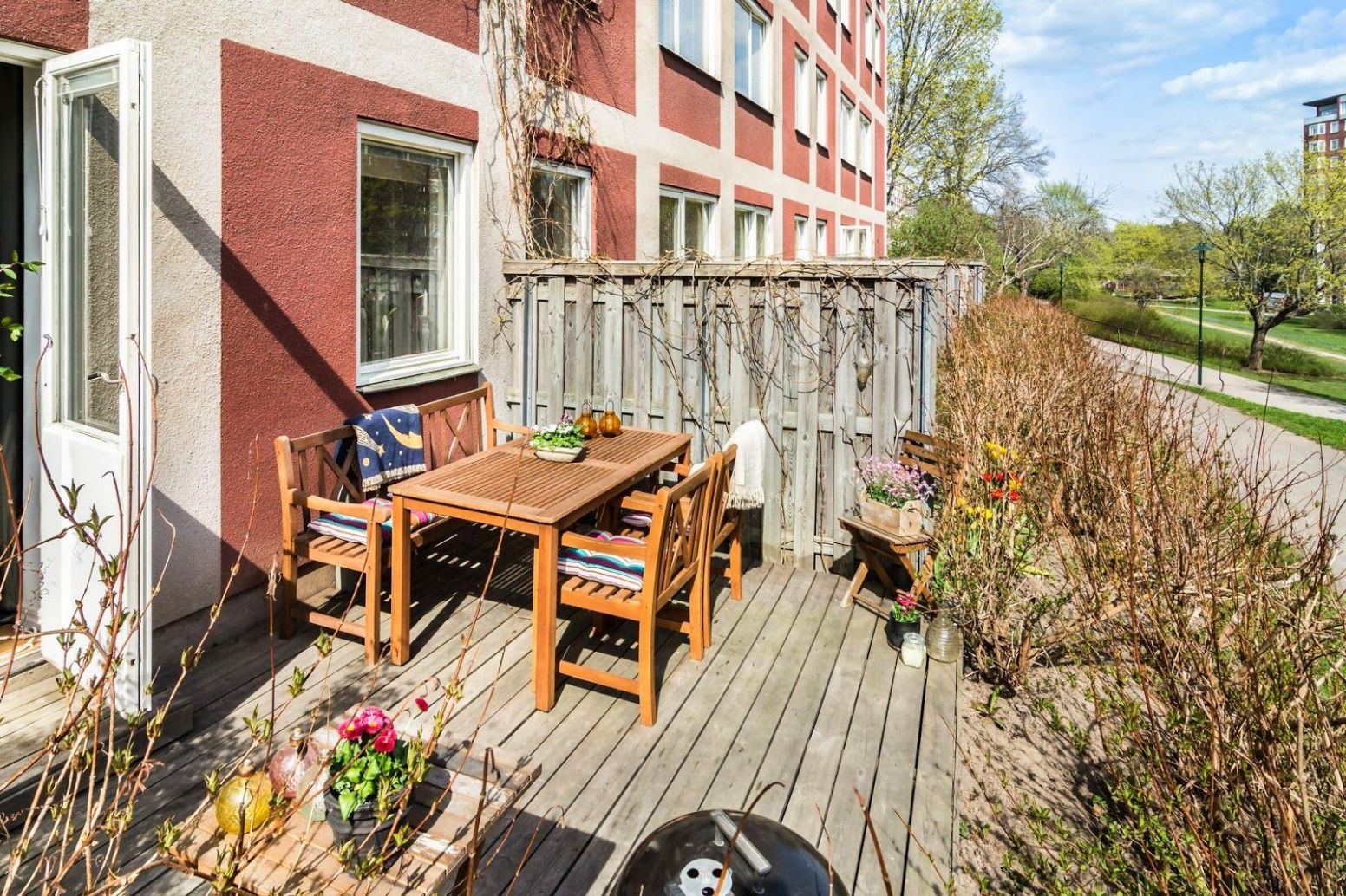 Sunny Tiny Ground Floor Apartment With Complementary Outdoor ..