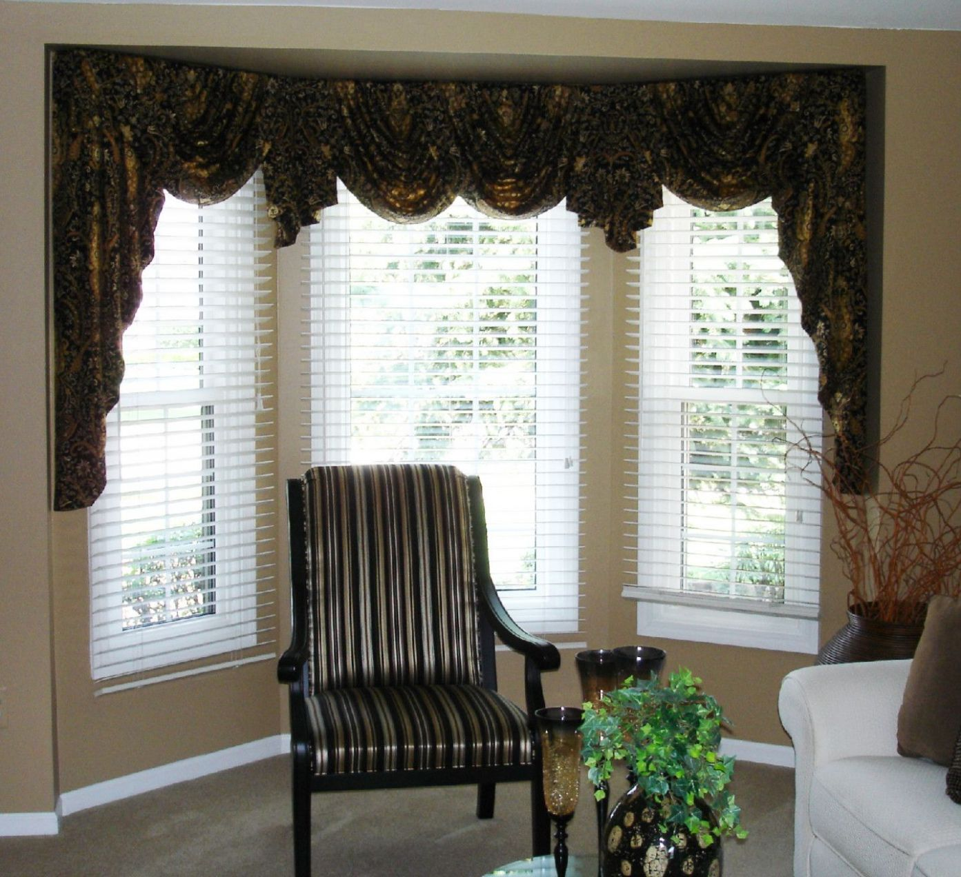 Swags and jabots in a bay window | Valances for living room, Bay ...