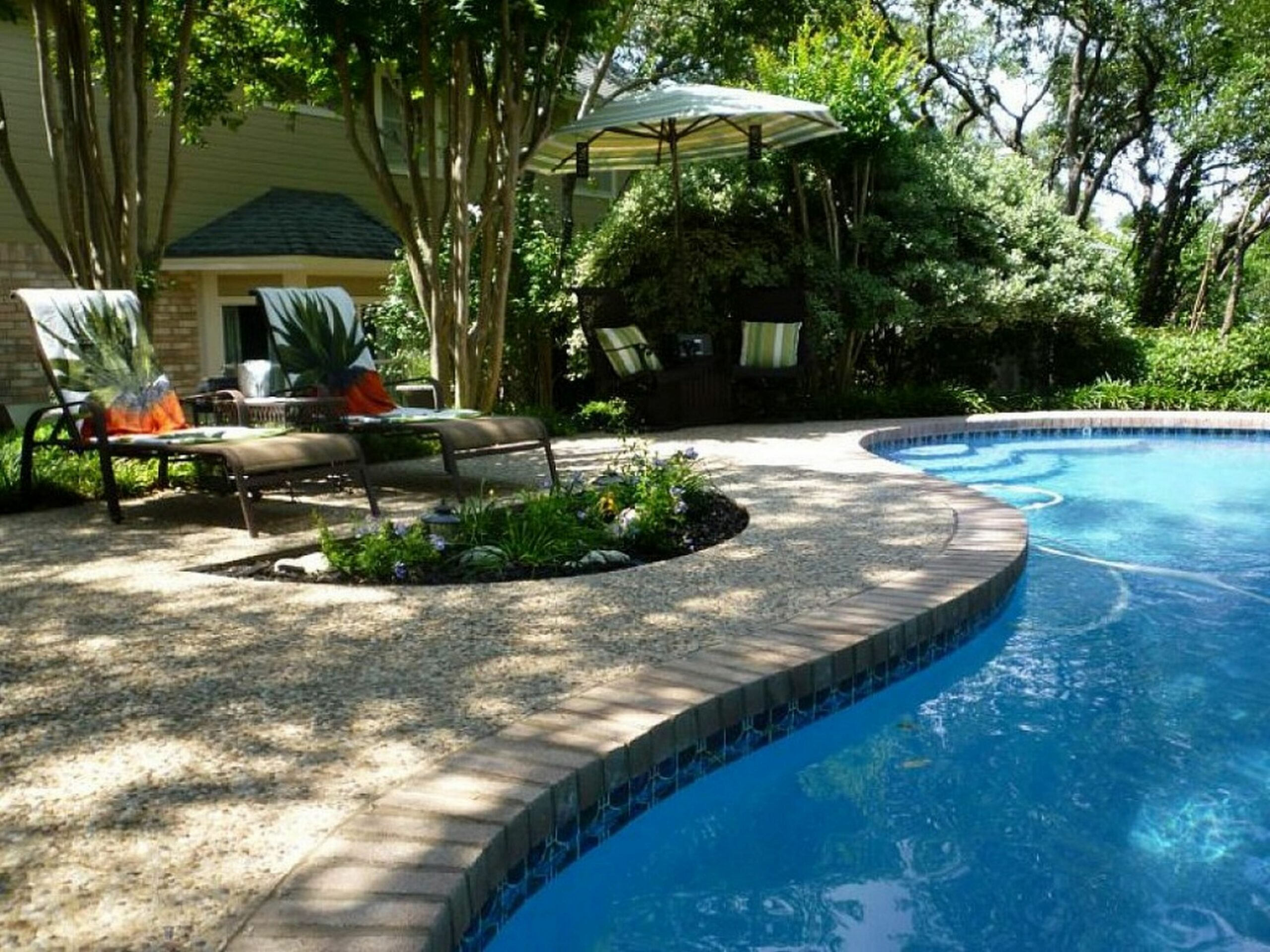 Swimming Pool Backyard Landscaping Ideas Privacy Around Above ..