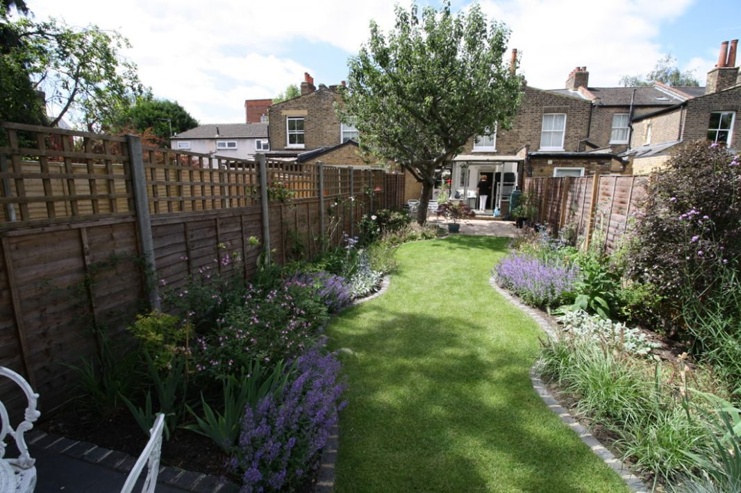 Terraced House in Wimbledon - stevedimmockgardens.co.uk