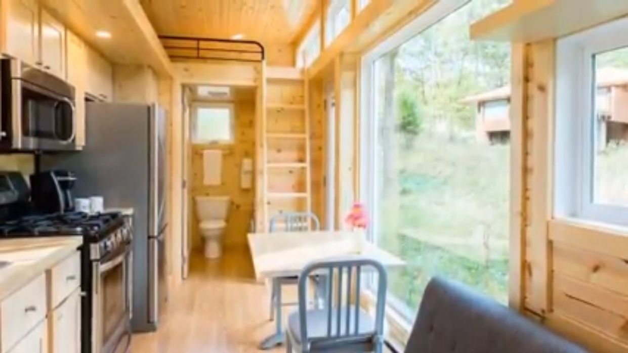The Traveler XL Tiny House From Escape Traveler - TinyHouseTour ..