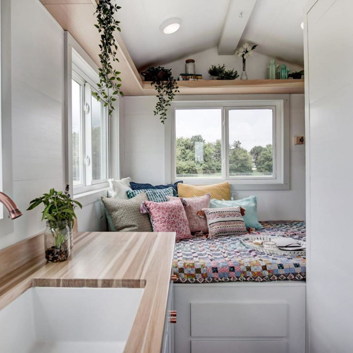 Tiny house packs all the essentials in 9 square feet - Curbed - tiny house essentials